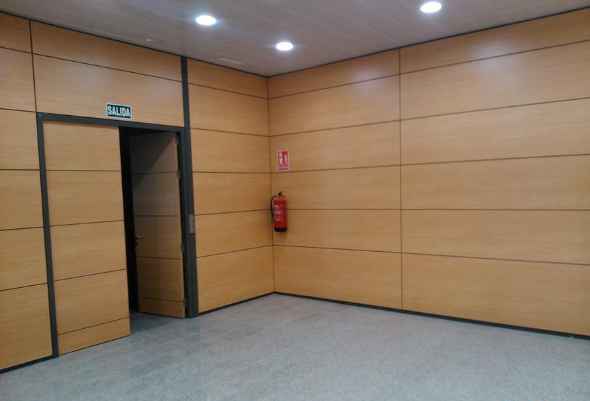 Cerramientos en madera dise o de oficinas for Cerramientos oficinas