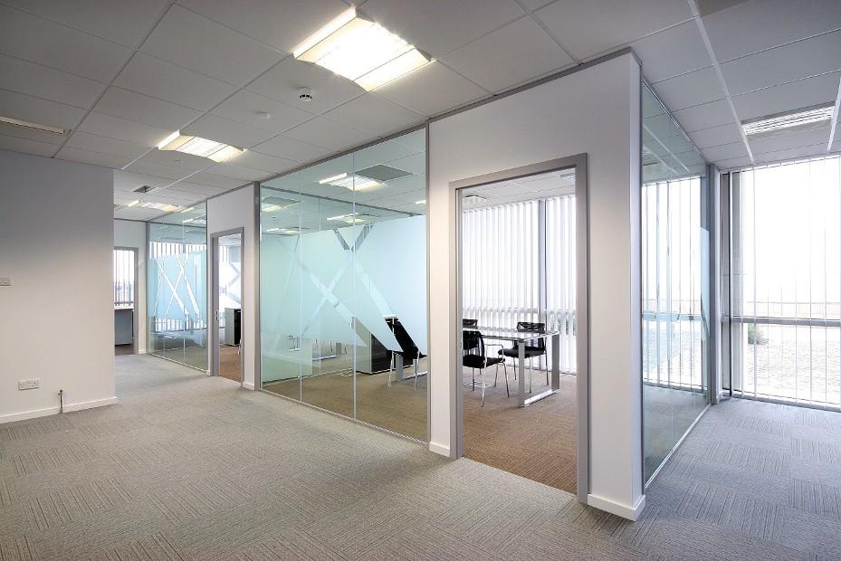 Divisiones en drywall dise o de oficinas for Divisiones oficinas modernas