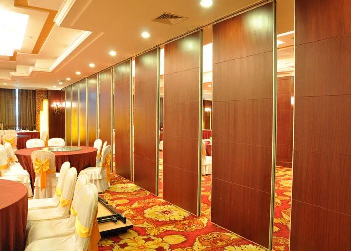 Paneles m viles de madera dise o de oficinas - Paneles divisorios para oficinas ...