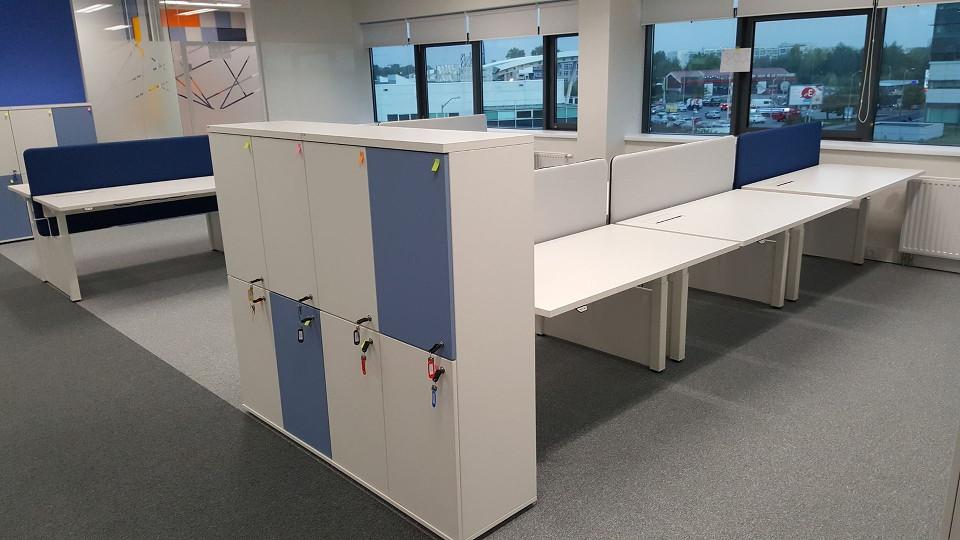 Divisiones en madera dise o de oficinas for Muebles de oficina ibague